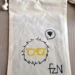 FuzzyNerdy mini bag 手描ききんちゃく袋